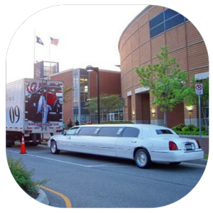 Limo outside of Alan Jackson Concert