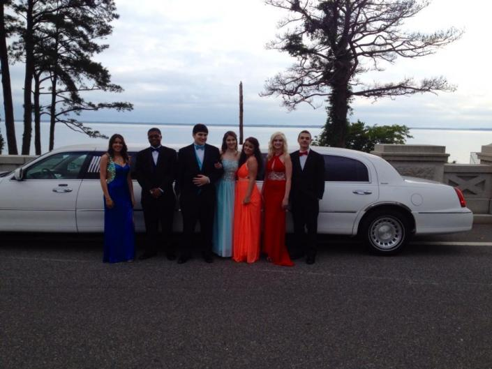 [Image: Reserve your prom limo now! During wedding and prom season, limousine services may be extremely busy, so it's best to book right away to ensure availability.]